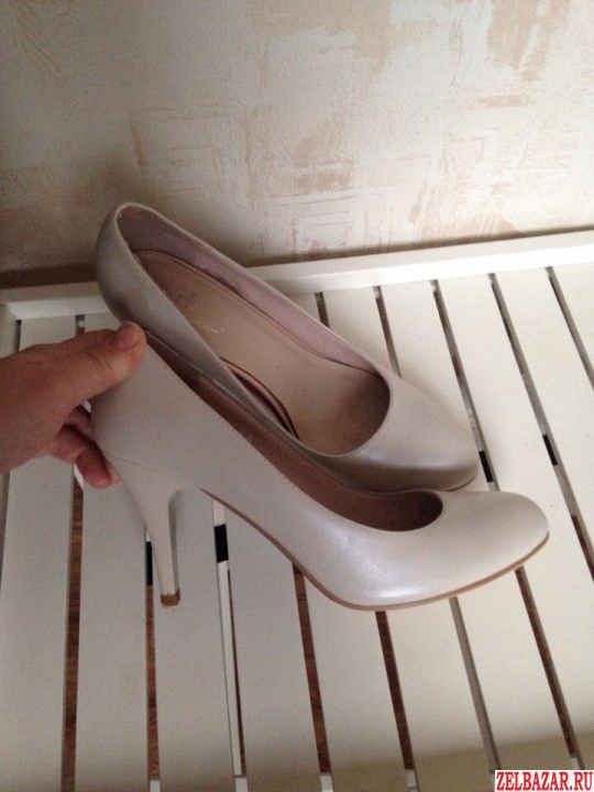 Бежевые возможно на свадьбу туфли 38 р